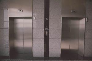 В рамках программы капремонта в жилых домах столицы заменили 8 тыс лифтов. Фото: pixabay.com