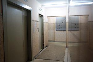 """Более десяти тысяч лифтов отремонтировали в столичных домах. Фото: """"Вечерняя Москва"""""""