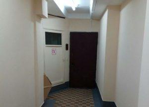 Приборы отопления отремонтировали в подъезде жилого дома в Мещанском районе. Фото: пресс-служба управы