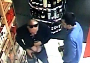 Сотрудники полиции в Центральном округе задержали подозреваемых в кражах из магазина. Фото: фото: пресс-служба УВД по ЦАО