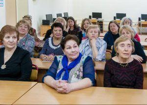 Врач-онколог прочитает лекцию в Центре соцобслуживания района. Фото: официальный сайт мэра Москвы