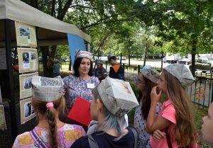 Дети из района поучаствовали в памятной акции. Фото: Анна Быкова