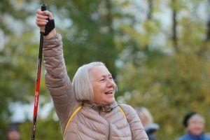 Занятие по скандинавской ходьбе состоится в Фестивальном парке. Фото: Наталия Нечаева, «Вечерняя Москва»