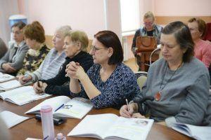 Встреча с художником прошла в центре соцобслуживания района. Фото: архив, «Вечерняя Москва»