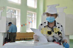 МГИК: В Москве начался итоговый день голосования по поправкам к Конституции. Фото: Пелагия Замятина, «Вечерняя Москва»