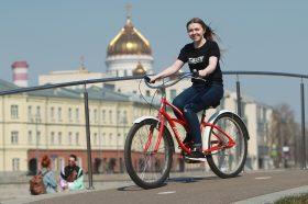 Депутат МГД Бускин: число поездок на прокатных велосипедах выросло на 30%. Фото: Наталия Нечаева, «Вечерняя Москва»