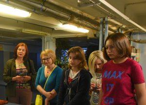 Пешеходную экскурсию организуют сотрудники Центра соцобслуживания «Мещанский». Фото: Александр Кожохин, «Вечерняя Москва»