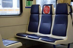 На 15% тише и USB-зарядки рядом с креслом: в Москве показали новые поезда метро. Фото: Анна Быкова