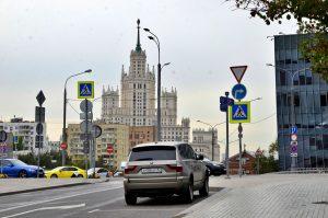 Движение временно ограничат на улице Щепкина. Фото: Анна Быкова