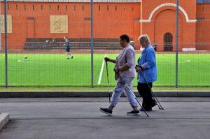 Сотрудники районного центра соцобслуживания перевели занятия проекта «Московское долголетие» в онлайн-формат. Фото: Анна Быкова