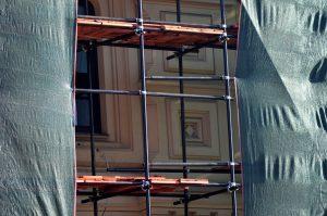 Сотрудники «Жилищника» отремонтировали квартиры ветеранов. Фото: Анна Быкова