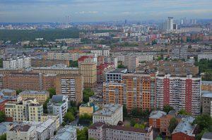 Из-за пандемии Франция ввела пропускной режим, аналогичный московскому. Фото: Анна Быкова