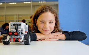 Открытый урок по робототехнике прошел в Центре проектного творчества «Старт-ПРО». Фото: Светлана Колоскова