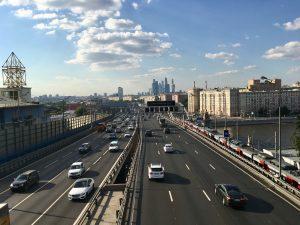 На шести участках магистралей в Москве появятся шумозащитные экраны. Фото: архив, «Вечерняя Москва»
