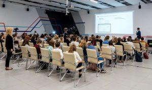 Ученые психолого-педагогического университета предупредили о вреде недовольства своей внешностью. Фото: сайт мэра Москвы