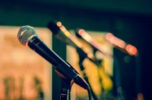Занятие вокального ансамбля организует досуговый центр района. Фото: pixabay.com