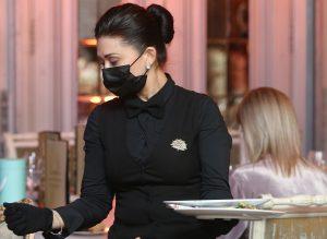 Рестораны «Чайхона №1» и «Бараshka» в ЦАО могут закрыть на 90 суток за нарушение антиковидных мер. Фото: Наталия Нечаева, «Вечерняя Москва»